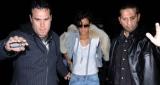 Un Bodyguard de Rihanna frappe violemment un Paparazzi !