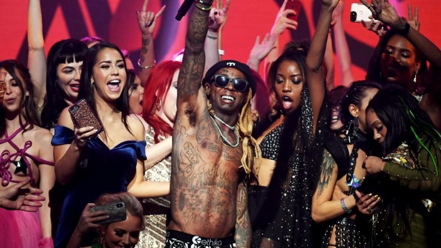 Lil Wayne a tout détruit lors des AVN Awards 2018 !