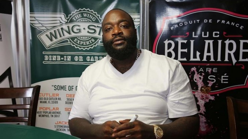 Un jeune rappeur tente d'attirer l'attention de Rick Ross !
