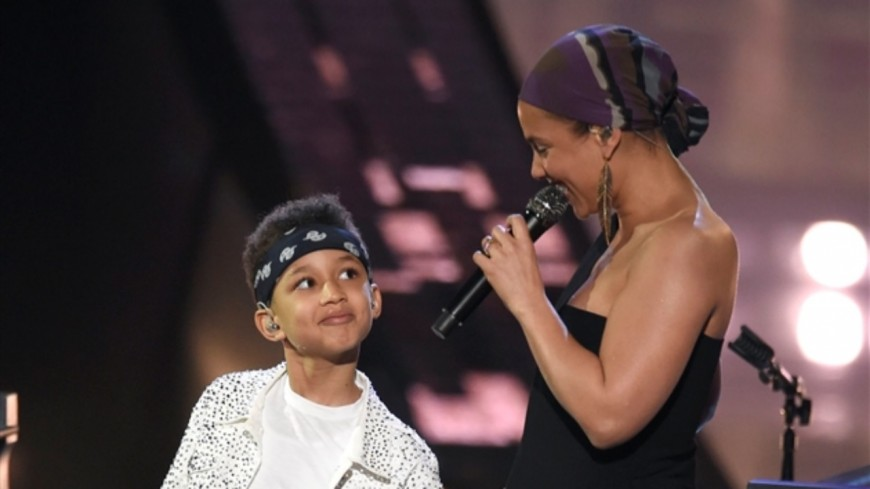 Alicia Keys fait monter son fils sur scène !