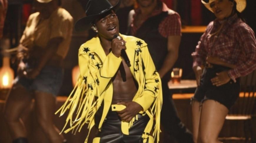 """Lil Nas X bat un record de longévité avec son tube """"Old Town Road"""" !"""
