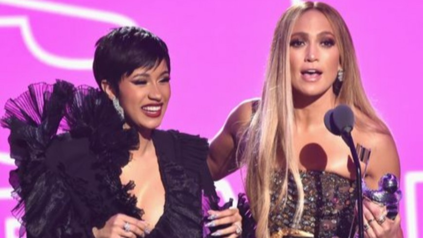 """Cardi B, Lizzo et Jennifer Lopez strip-teaseuses hot dans """"Queens"""""""