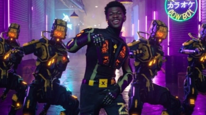 """Lil Nas X clippe un nouveau  titre : """"Panini"""" !"""