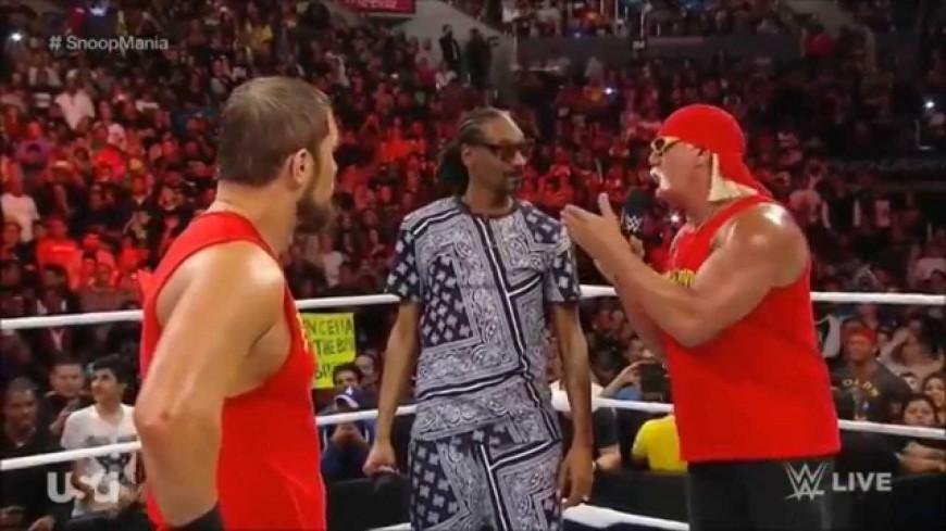 Snoop Dogg écrase son adversaire sur le ring !