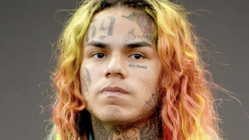 Affaire 6ix9ine : il plaide coupable et Snoop Dogg le traite de balance !
