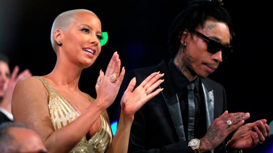 Wiz Khalifa et Amber Rose célèbrent leur divorce au strip-club !