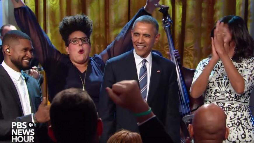 Usher et Barack Obama chantent du Ray Charles !