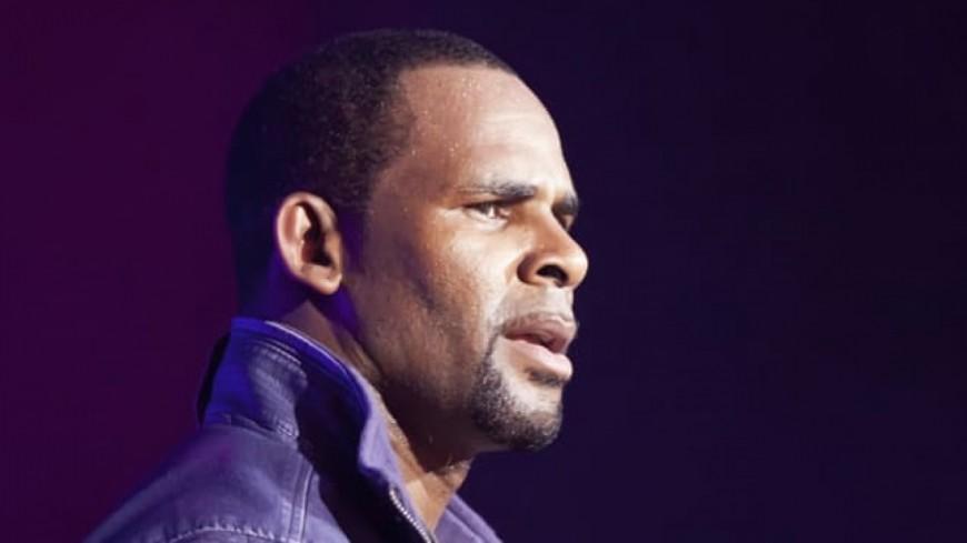 Affaire R.Kelly : le documentaire ''Surviving R.Kelly'' continue à être diffusé et le chanteur remonte sur Spotify !