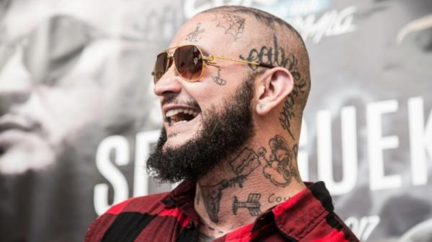 Seth Gueko vous attend dans son salon de tatouage !