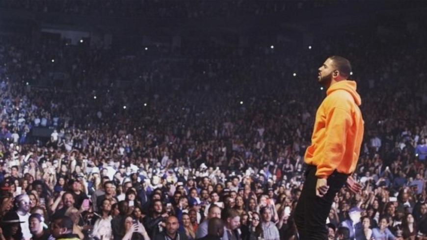 Drake fait une grosse annonce en plein concert !