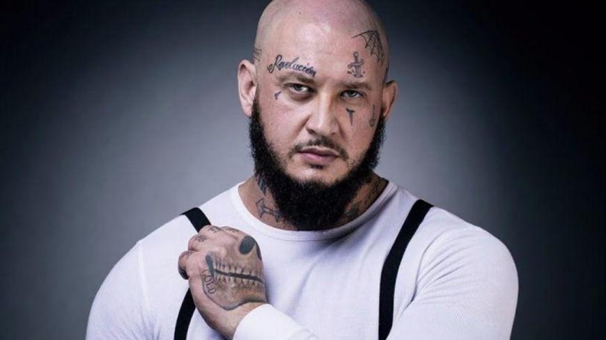 Seth Gueko nous dévoile son tatouage en hommage à Johnny !