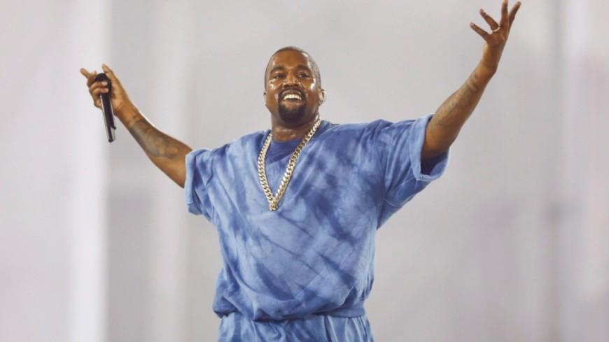Kanye West balance son micro   224  Toronto avant de quitter la sc  232 ne  Kanye West Son Sweet 16