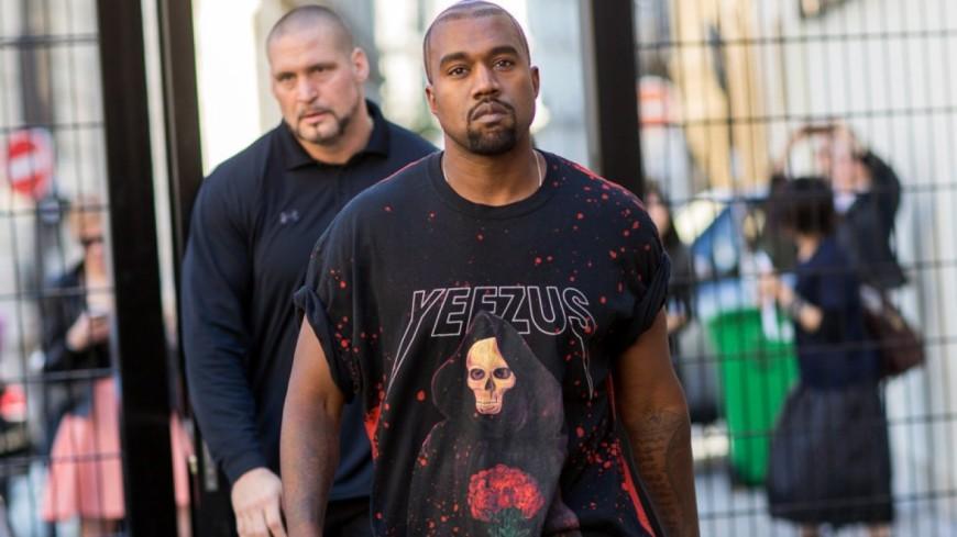 Quand Kanye West fait une balade avec des paparazzis !