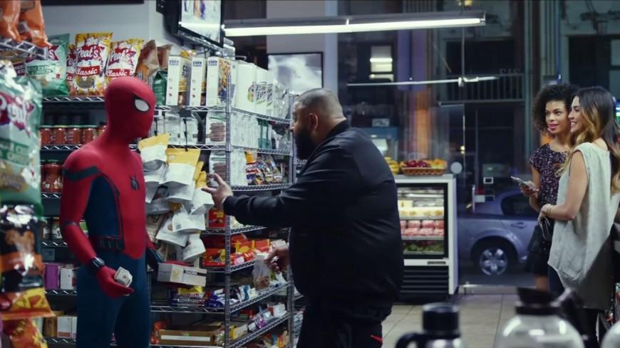 Dj Khaled se retrouve en face de Spider-Man et se fait voler la vedette !