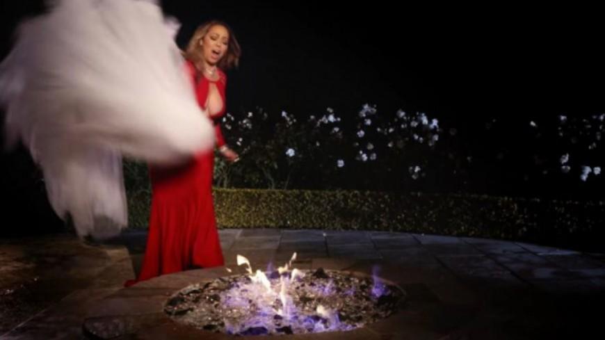 Pour se venger de son ex, Mariah Carey brûle sa robe de mariée !