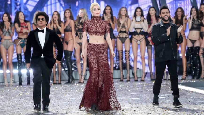 Bruno Mars et The Weeknd en feu au défilé Victoria's Secret !