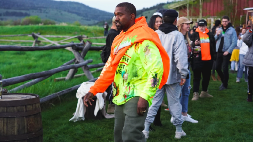 """Kanye West dévoile """"Ye"""" lors d'un événement privé !"""