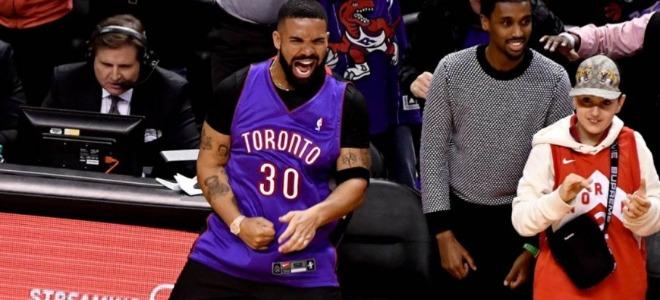 Drake n'est plus maudit et annonce deux morceaux en l'honneur des Raptors !