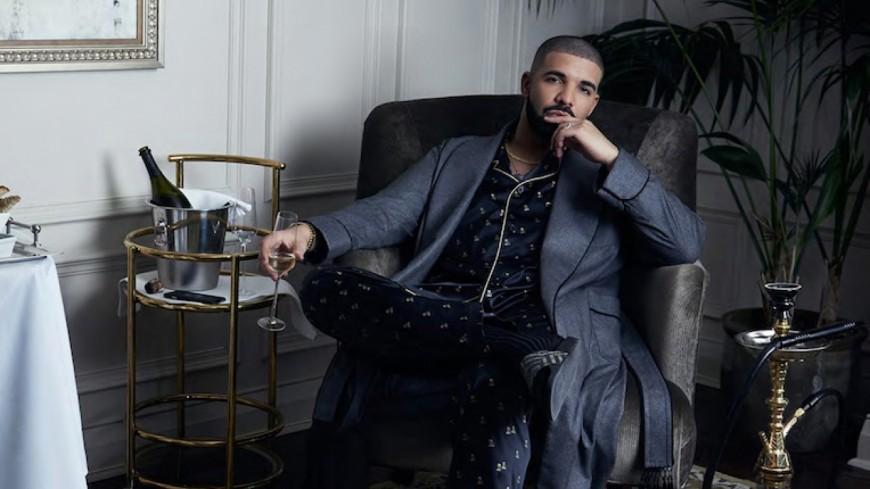 Découvre Passionfruit de Drake !
