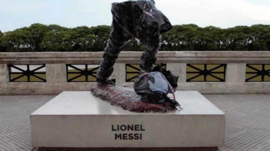 La statue de Lionel Messi, à Buenos Aires, a été vandalisée !