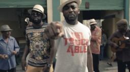 Mac Tyer ft Maître Gims - Laisse Moi Te Dire (Clip Officiel)