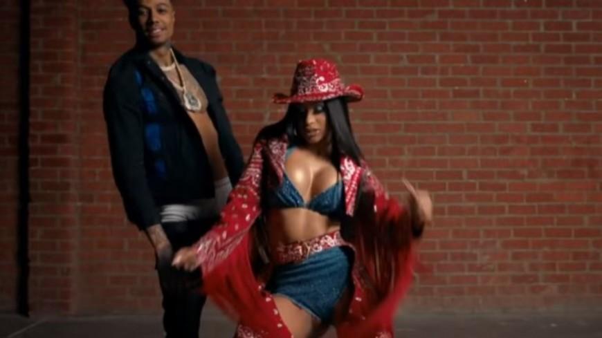 "Blueface reprend ""Thotiana"" feat. YG avec la queen Cardi B !"