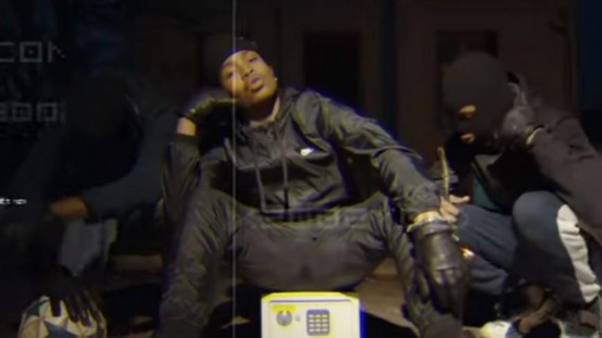 Junior Bvndo est posé ''Dans l'Appart'' en mode braquage !
