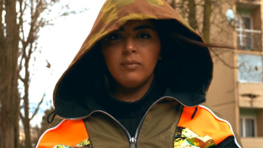 Marwa Loud dévoile le clip de son nouveau single ''Oh la Folle'' !