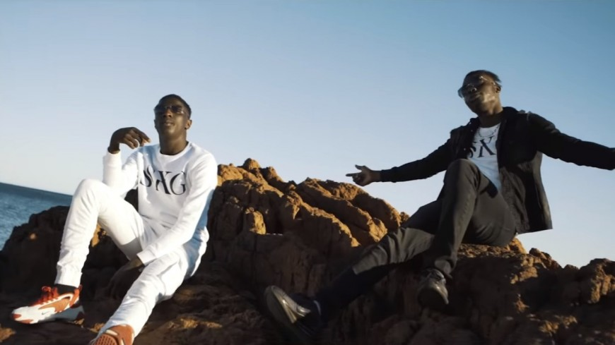 SKG continue de promouvoir leur EP avec ''J'en veux Tellement''!