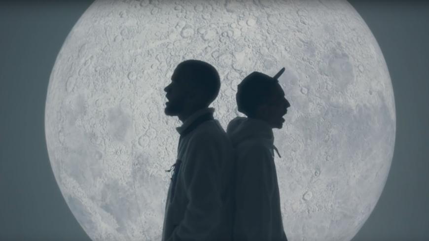 """Bigflo & Oli vont """"Sur la Lune"""" dans leur nouvelle vidéo !"""