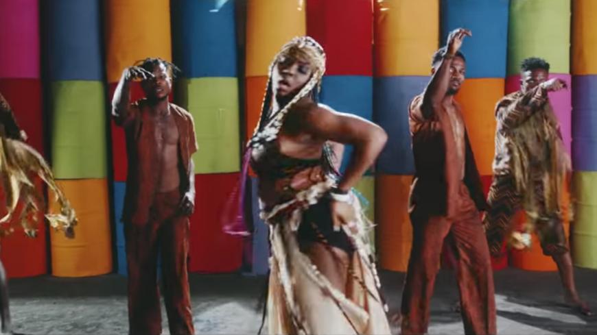 """Yemi Alade nous donne un extrait de son album """"Woman Of Steel"""" avec """"Give Dem"""""""