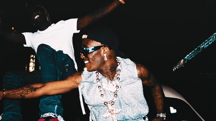 "Young Thug et Lil Uzi Vert nous offrent le clip de ""What's The Move""!"