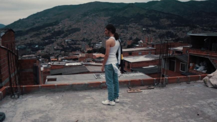 Bené se retrouve dans les favelas