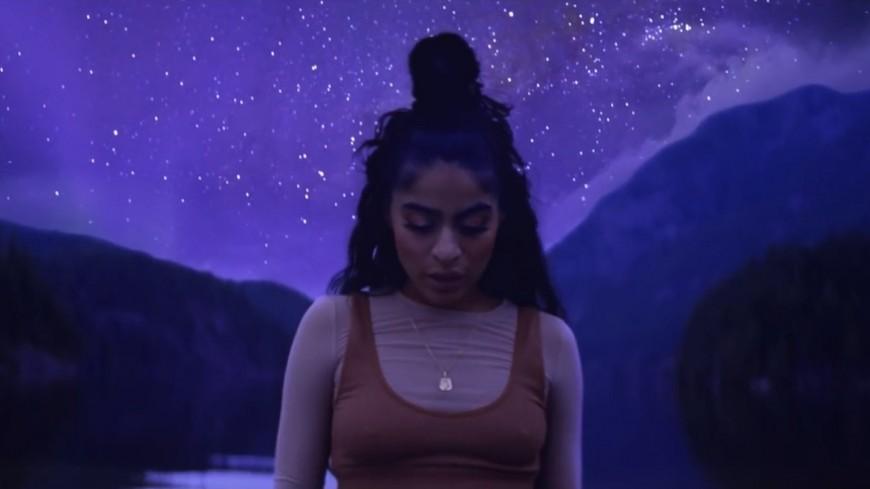 """Jessie Reyez dévoile le très beau clip de """"Love In The Dark"""" !"""