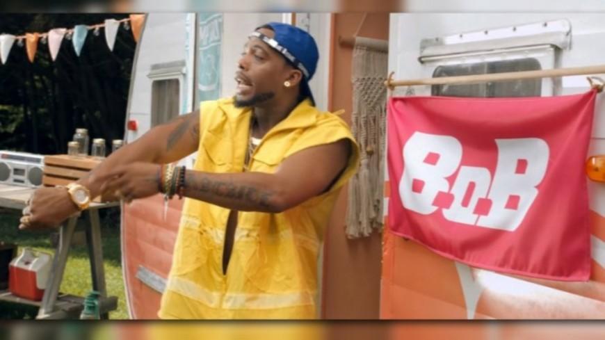 """B.o.B dans """"DIRT"""""""