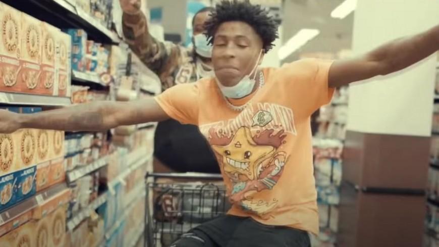 "NBA Youngboy toujours plus fou dans ""DUMB"""