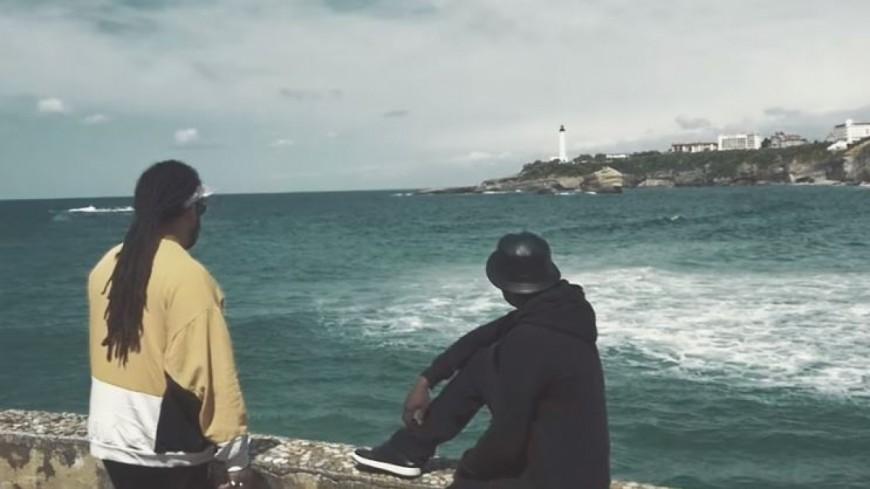 """A2H boucle l'été en beauté avec son dernier clip """" Attitude """" en feat avec Ori !"""