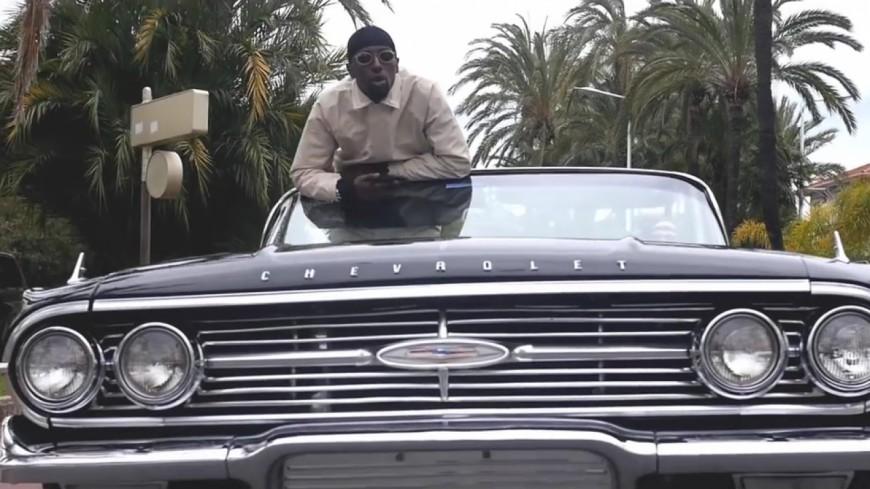 Alpha Wann se pavane en Chevrolet dans le clip de ''National Syli'' !