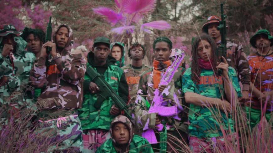 A$AP Mob se pavane avec Juicy J dans le clip complètement fou de ''Yamborghini High'' !
