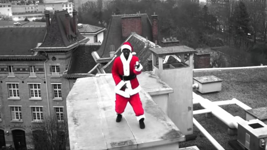 Black M fait le show avec ''Cadeau Joyeux Noël''