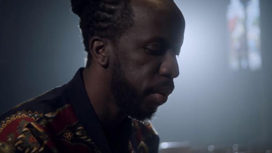 Youssoupha nous touche en plein coeur avec le clip de ''Par Amour'' !