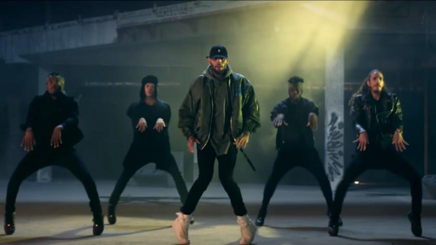 Chris Brown, Usher et Gucci Mane brûlent la piste dans ''Party'' !