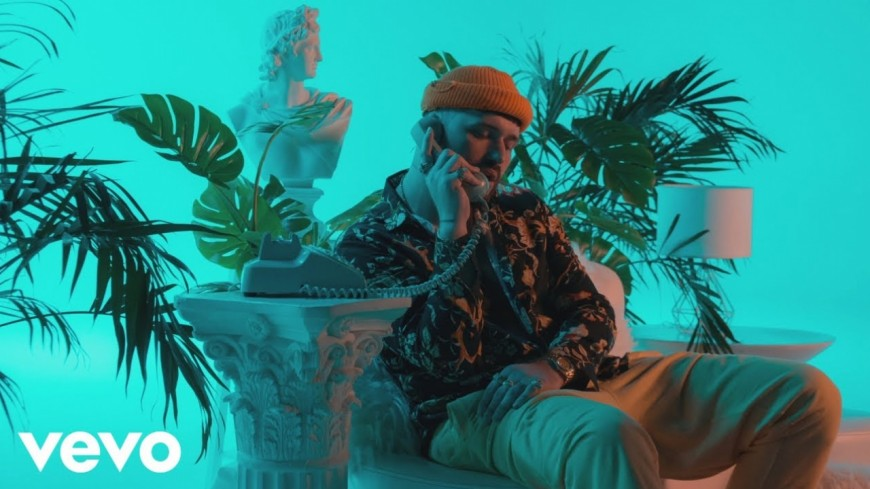Gashi se la joue sensuel dans son nouveau clip « Creep On Me » feat. French Montana & DJ Snake !