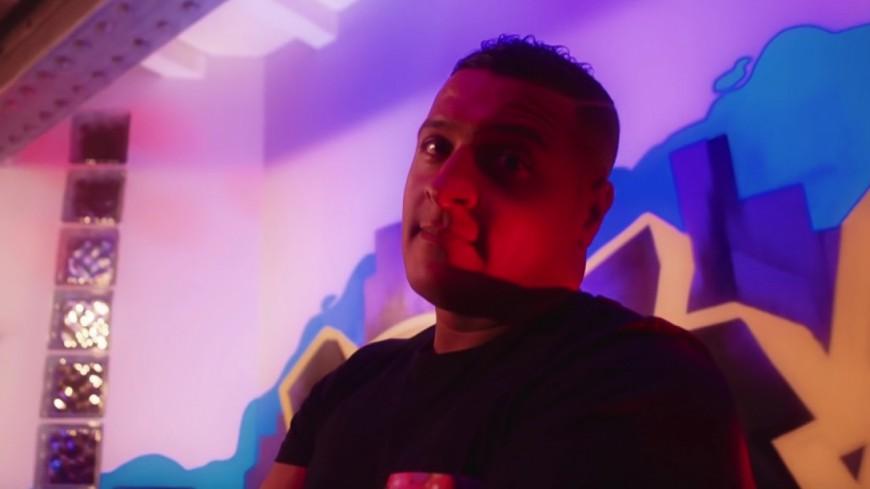 DJ Hamida devient complètement ''insomniaque'' avec Myma Mendhy & Kevlar !