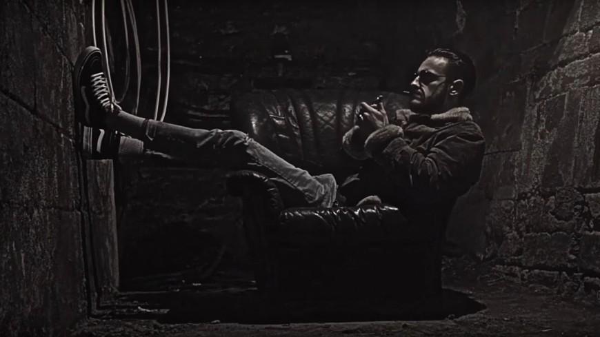 Django boit et s'oublie comme ''Jason Bourne'' !