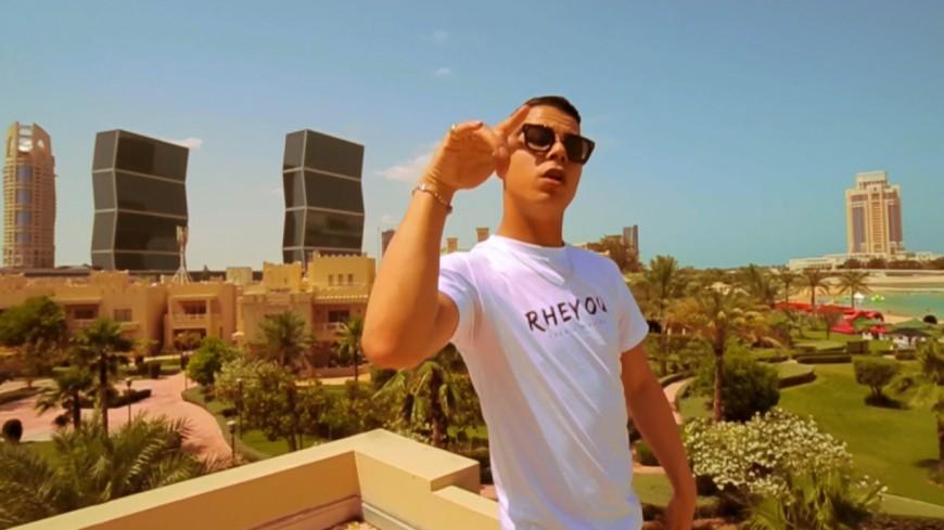 Hooss nous embarque au Qatar dans le clip de son titre ''Hôtel'' !