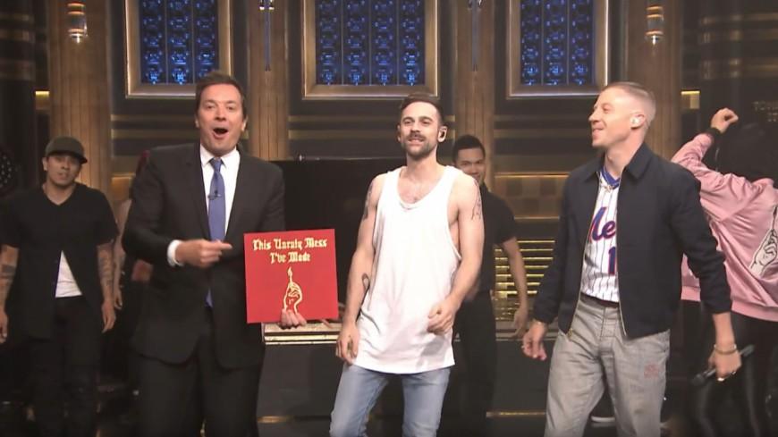 Macklemore et Ryan Lewis mettent le feu sur le plateau de Jimmy Fallon !