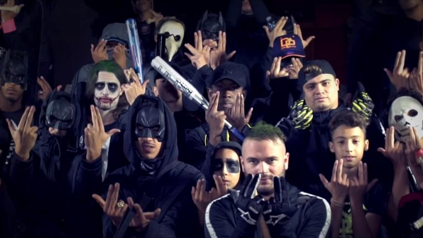 Jul en mode violence ''Dans la voiture à Batman'' !