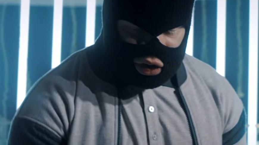 Kalash Criminel toujours aussi sauvage dans ''Tête Brûlée''!