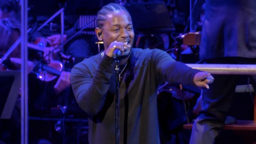Kendrick Lamar invite un fan à freestyler sur scène !